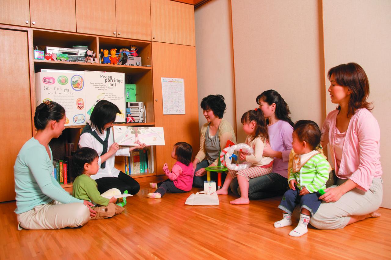 ☆11月☆ママとあそぼ!英語で遊ぼう~親子で楽しむ英語のわらべ歌とおはなし