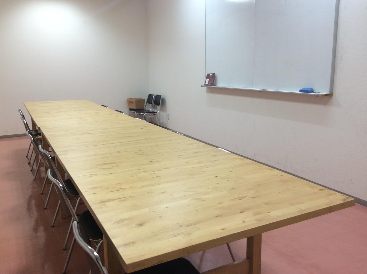 広々とした会議室202【30分 1500円、30㎡:~15名】