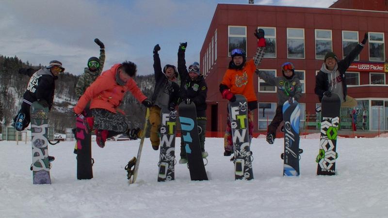 グラトリレッスンin札幌国際【土日祝日開催】あなたのやりたい技を教えるスノーボードレッスン!