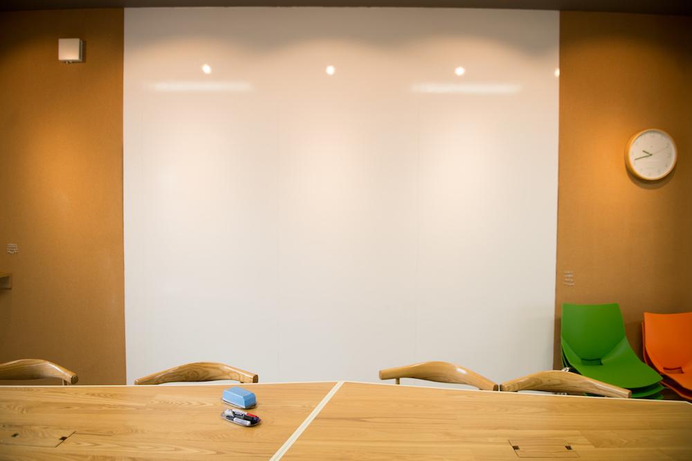 コワーキング席予約【外側ハーフテーブル】
