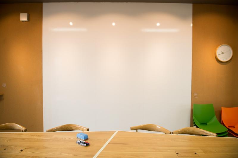 コワーキング席予約【ハーフテーブル 外側】