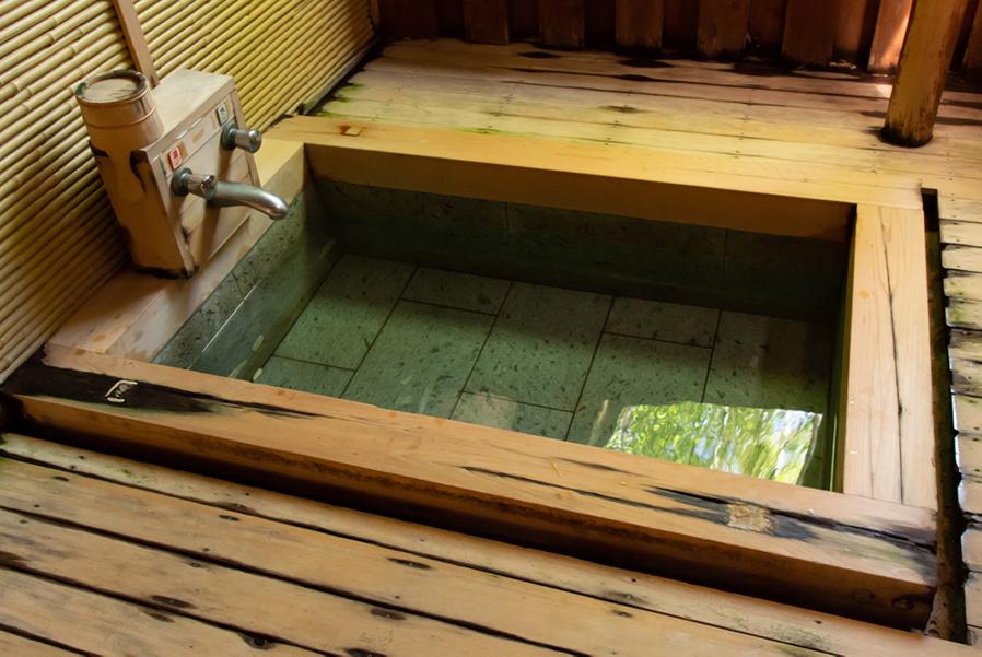 """【土日・食事付き】桧風呂""""山桜"""" 個室家族風呂 11時~2時間・2名様貸切予約"""