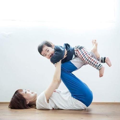 【終了】\0歳~Babyヨガ/ママの骨盤調整ヨガとベビーヨガ(Hug A Tree)
