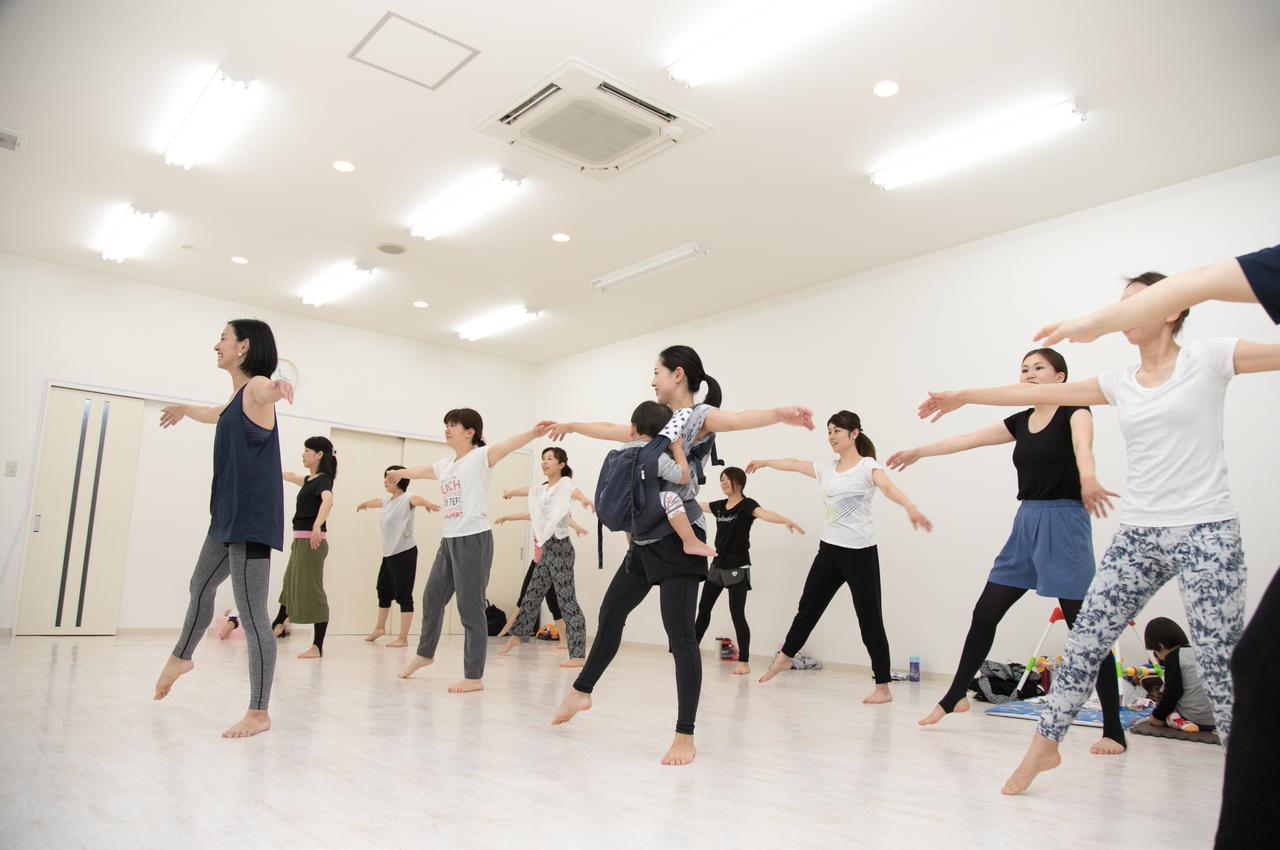 🦢【水】ダンススタジオアトムズ バレトンクラス