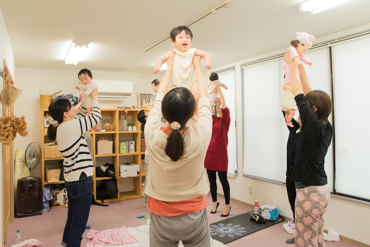 【こまちカフェ】ベビーヨガ(赤ちゃん体操)★ぴよぴよクラス★