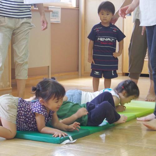 【平成29年度高津Bコース】さっちーと一緒にのびのび親子体操