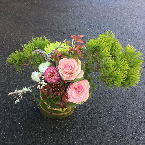 12月フラワーアレンジメント2 新年を彩るお正月生花アレンジメント