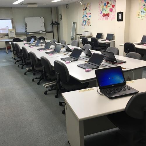 ルームC(4階)パソコン・インターネット・プロジェクター完備