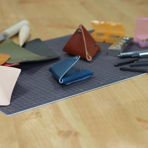 手のぬくもりをふきこんで作る 本革コインケース製作