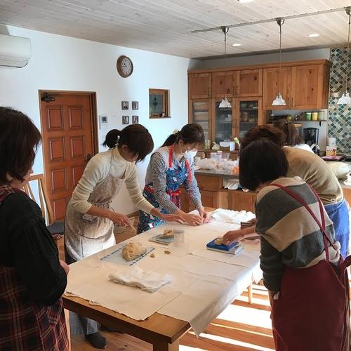 木のキッチンでパン教室  基本のパン編  ①気軽にパウンド型で食パン&②調理パン③簡単なお菓子