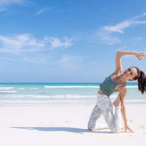 Power Yoga (パワーヨガ) AKANE