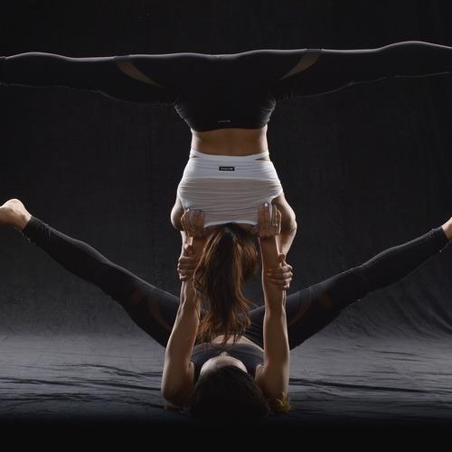 毎月第4金曜日!アクロヨガ フィットネス@Reebok Fitness Friday