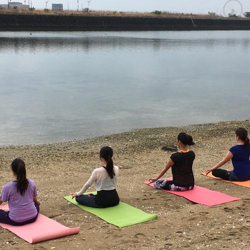 beach side yoga(リラックスヨガ)