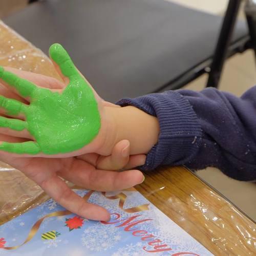 【11/9(金)ココカラカフェ】親子で楽しむ♪手形足形アートを作ろう!
