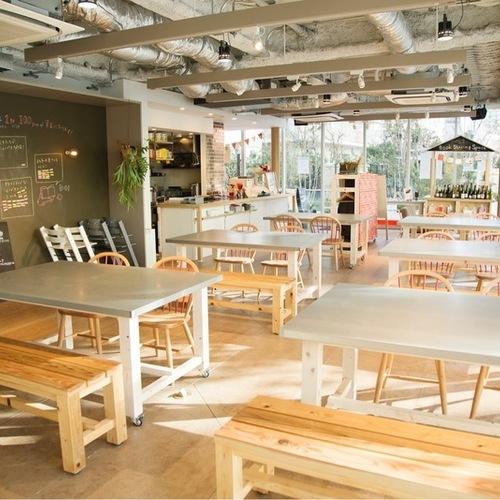 ママかつ×CAFE&HALL ours  〜Christmasランチparty〜【CAFE&HALL ours】