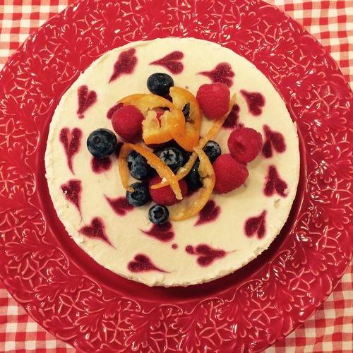 季節限定! 苺のローケーキ