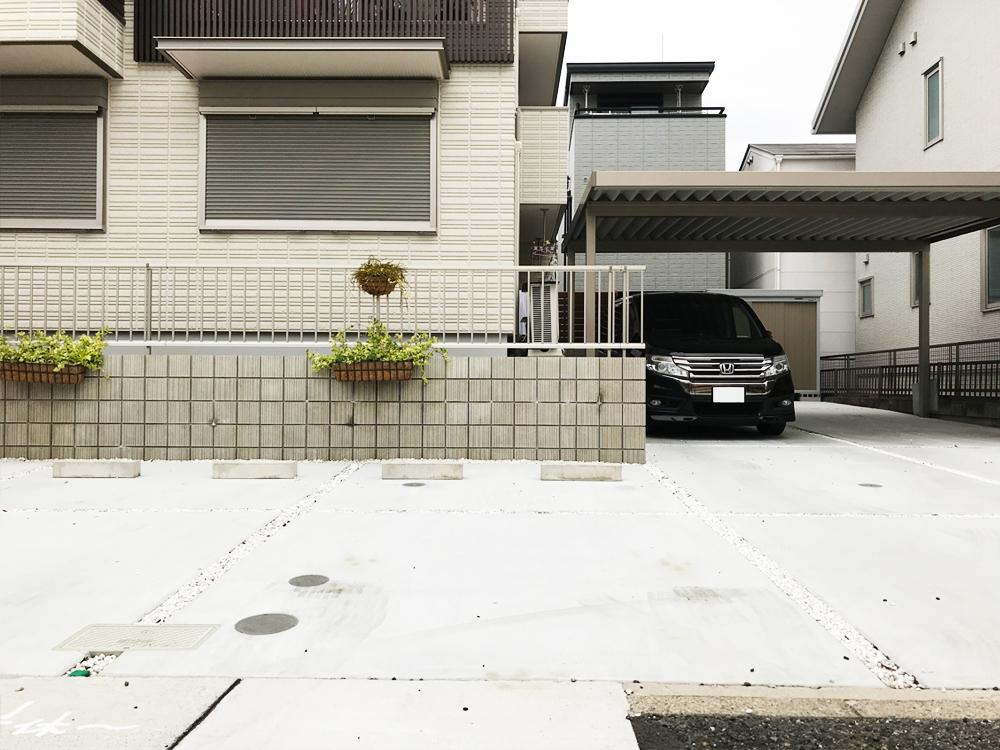 【右側】駐車場