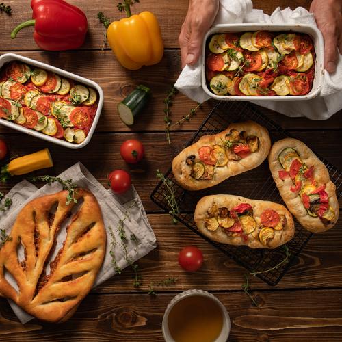自家製酵母パン!アンチョビ&チーズのフーガス、カラフル野菜のフォカッチャ&オーブン焼きラタトゥイユ
