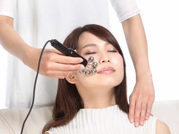 Mizutani type small face corrected spot liver spot pore care 【Largo Tokyo】 Niko Tamagawa store