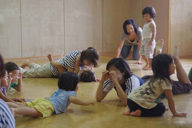 【平成28年度高津Bコース】さっちーと一緒にのびのび親子体操