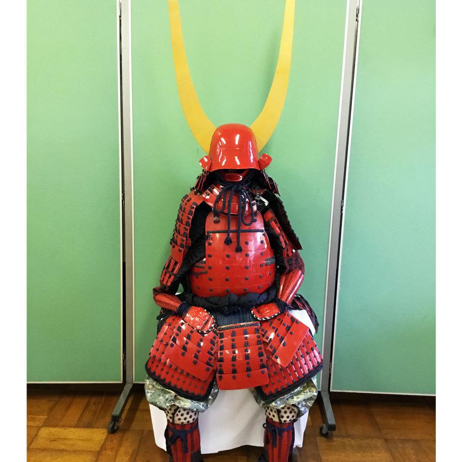 「井伊直政」の甲冑体験 プレミアム甲冑で笹尾山散策!