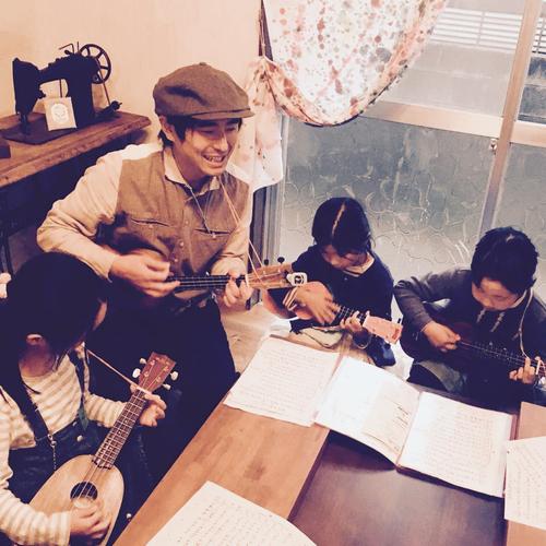 夏休みプログラム【 ウクレレ × 民族楽器 】
