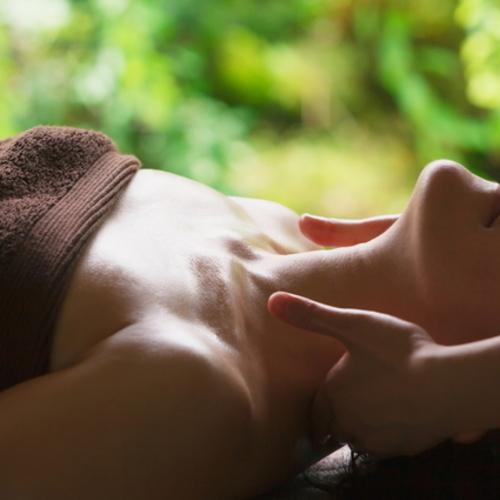 秋田市泉 1日2名限定・女性専用「足裏メッセージ専門サロン Luxe」新サイトへ