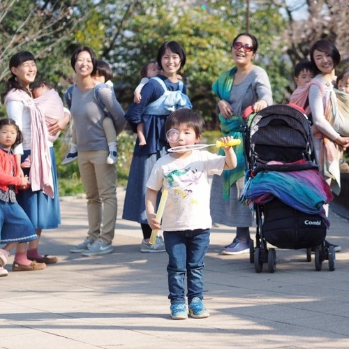 鎌倉のスタジオで赤ちゃんとの心地よい暮らしを知る一日〜「ふんわりすくすく赤ちゃん講座」&ベビーウェアリングサロン