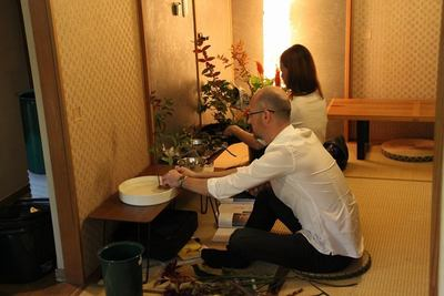 Jumping in a regular Ikebana class