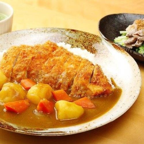 Chicken Cutlet Curry, Wagyu Shabu-shabu Salad, Pudding