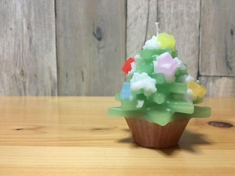【三井ホーム】粉雪舞うクリスマスツリー