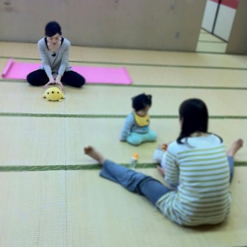 【赤ちゃんタイムあり】お子さまと一緒に参加できるママヨガレッスン