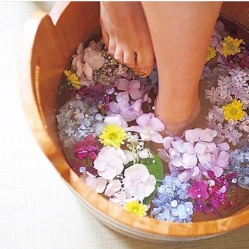 ●雅 50分コース【ロングマッサージ】  お花の足湯&フットマッサージ