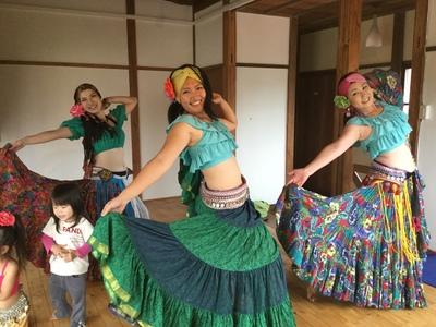 しなやかに舞い、情熱的に楽しむトライバルベリーダンスLilas - リラ(横浜・鎌倉で開催)