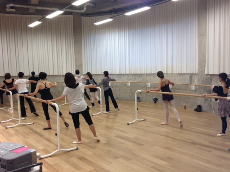 「まったく初めてバレエを学ぶ方のための入門3か月(12回)コース」 木曜クラス(単発受講)