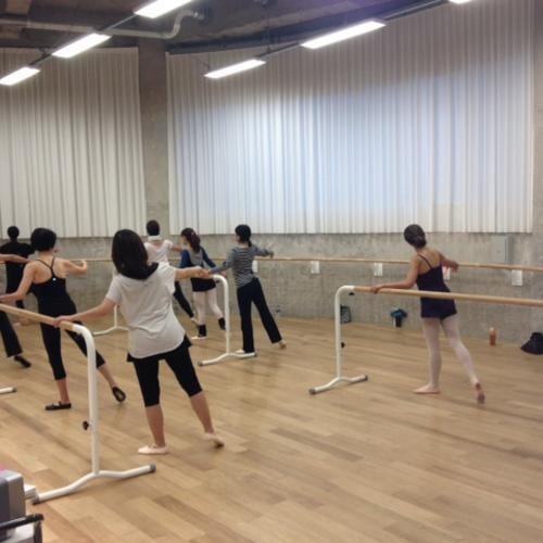 「まったく初めてバレエを学ぶ方のための入門10回コース」 木曜朝クラス(単発受講)