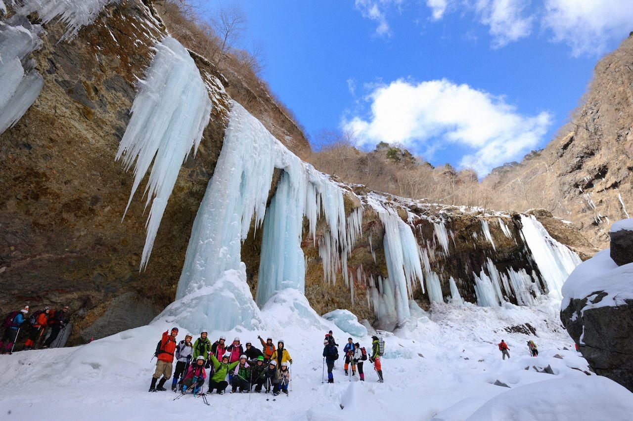 雲竜渓谷アイスワールドツアー 1日間