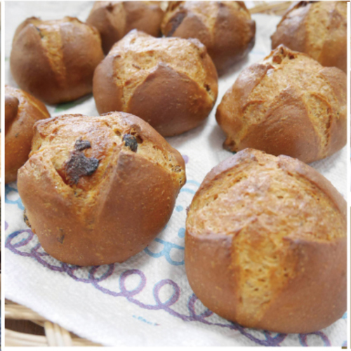 木のキッチンでパン教室 (パン二種+お菓子+サラダ)