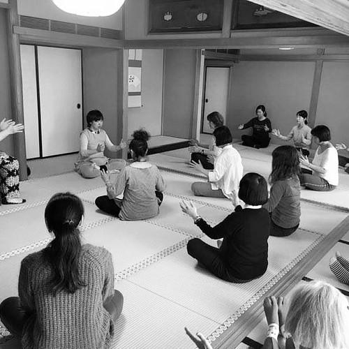 「気功と中国茶の会」薬師寺東京別院にて
