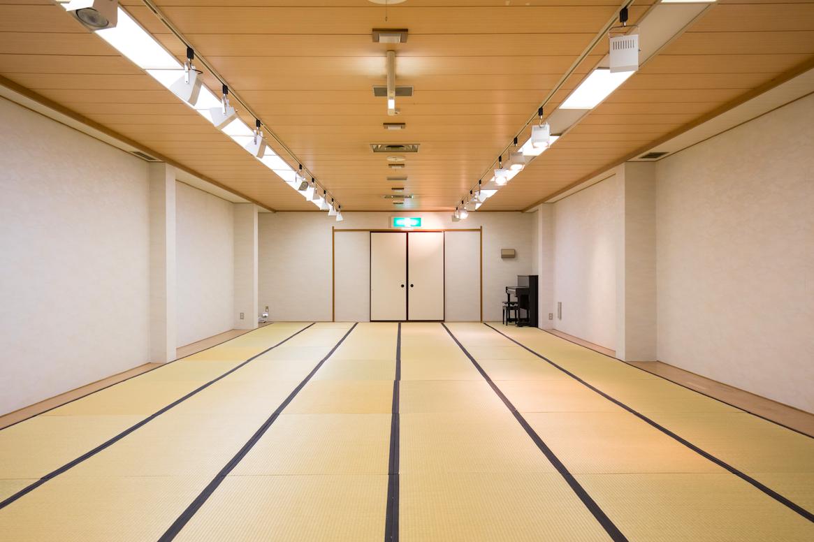 [レンタルスペース] 3F Hall ホール / 土日祝日 3時間〜 3,240円〜