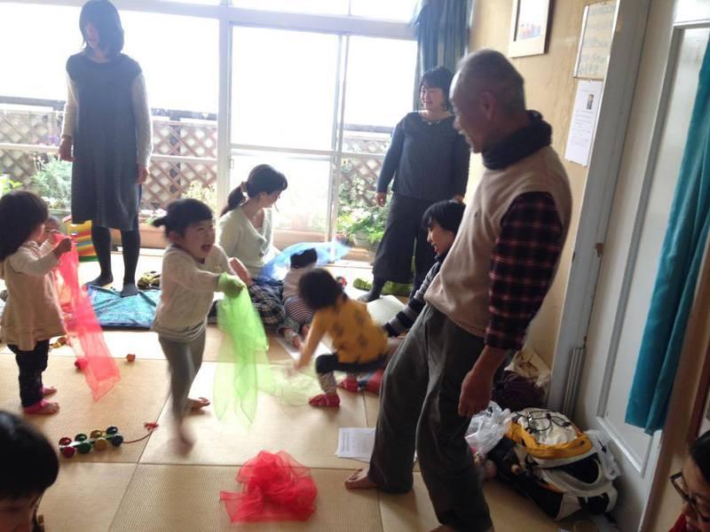 篠先生のお話会「手遊びとわらべ歌~子どもの世界がたてよこに広がる」