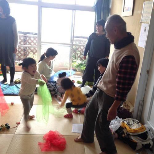 篠秀夫先生の「声で伝える手遊びとわらべ歌の会」