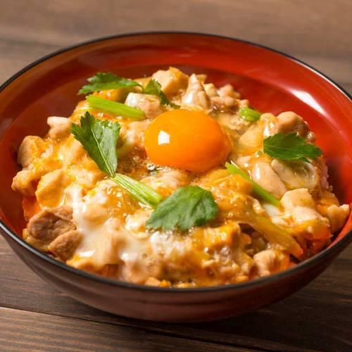 鳥を学ぶ!築地鳥藤の鶏肉使用、ふっくら美味しい親子丼を作ろう!