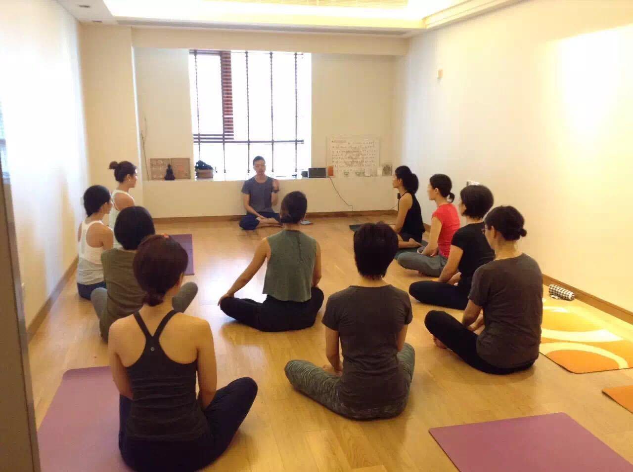 【6/7(木)開催】上海WS Tomo先生によるヨガ哲学『ヨガスートラと菜食主義について』