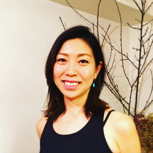 月曜 10:15〜11:30   yogaクラス  担当 Hitomi