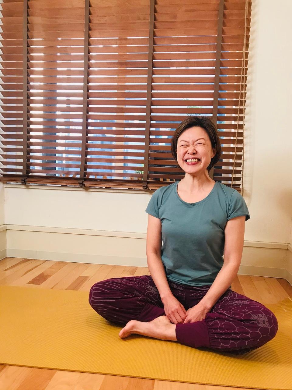 Online : ゆっくり軸を感じるハタヨガ 講師:宮川幸