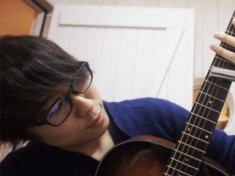 【山崎恭兵】エレキギター・アコースティックギター・ウクレレ・初級ベース・音楽理論