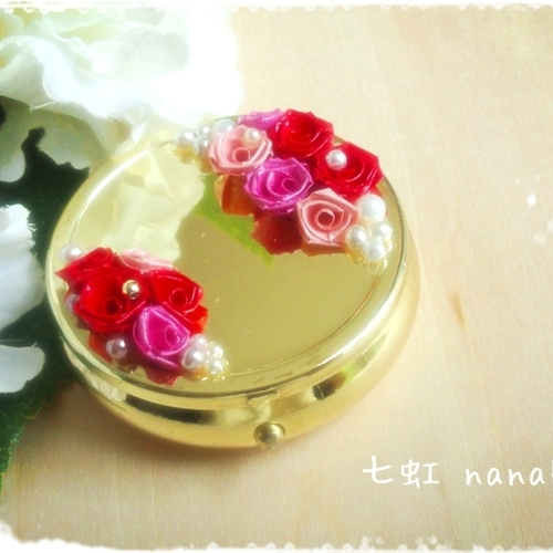 紙で作るバラ「ロザフィ」(栗原市若柳くりでん)
