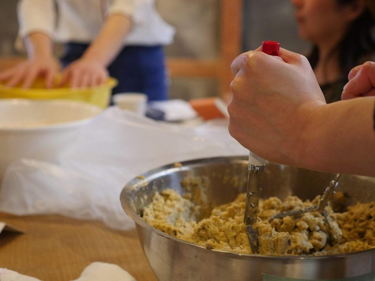 発酵食堂カモシカの手前味噌ワークショップ