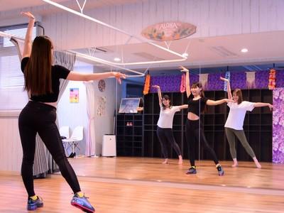 Ari先生のLadies Dance(レディ-スダンス)】